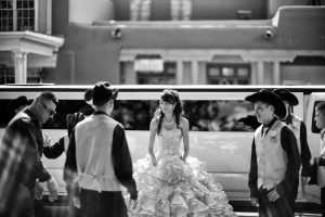 Fort Worth Quinceanera Limousine Rentals, white limo, party bus, shuttle, charter, sedan, sweet 16, birthday, transfers, one way, round trip, venue, events