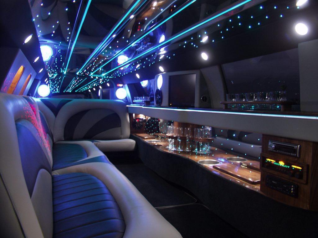 Houston Lincoln Limo Services, Limousine, White, Black Car Service, Wedding, Round Trip, Anniversary, Nightlife, Getaway, Birthday, Brewery Tour, Wine Tasting, Funeral, Memorial, Bachelor, Bachelorette, City Tours, Events, Concerts