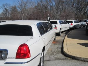 Houston Funeral Limo Rentals, cemetery, mortuary, black limousine, charter, shuttle, sedan, SUV, transportation, wake, viewing, memorial, Sprinter van, procession, funeral home