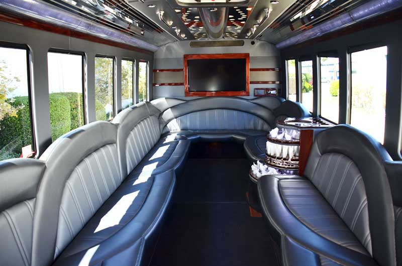 Houston Limo Bus Services, Party Bus, Charter, Shuttle, City Tours, Weddings, Birthday, Bar club Crawl, Wine Tasting, Brewery Tour, Concert, Music Venue, Luxury, Tailgating, Corporate, Business